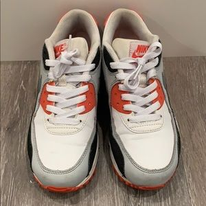 Shoes - Nike boys size 4.5
